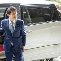 北海道の鈴木知事は、イケメンだと言われてますが?私はそう思いません。そう思う人いますか?