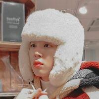 BTSの質問なんですけど、ジミンが白の帽子を被っている動画は何でみれるのでしょうか??