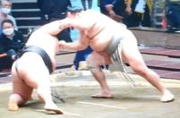 北勝富士戦で、貴景勝は左足首を痛めたので休場とのことですから、この場面なのでしょうか。