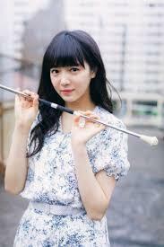 志田彩良ちゃん(女優)(1999)と中山莉子ちゃん(ルドイア)(2000)ならどっちがかわいいと思いますか? ぼくは志田彩良ちゃんです。