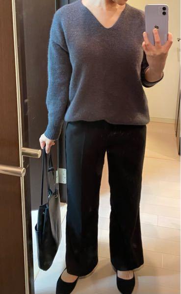 パートの面接があるのですが私服で派手ではない服装でと言われたのですがこれにネイビーのチェスターコートを着る予定なのですが大丈夫だと思いますか?