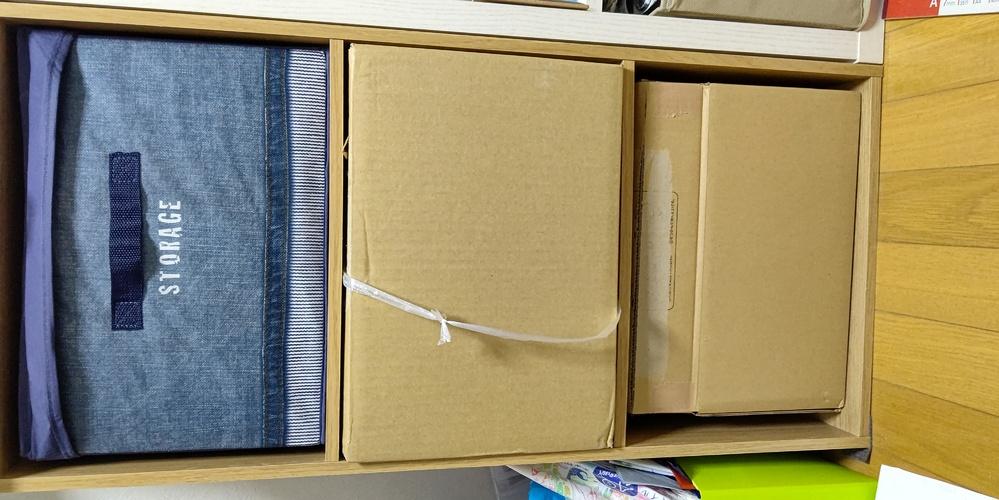 単身パック引越しでの荷積みに関してです。 画像の様に、棚にすっぽり収まるダンボール・衣装ケース...