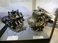 なぜ軽自動車て2気筒にしないのですか。 ・・・・・・・・・・・・・・・・・・ 2気筒で660㏄でターボでハイブリッドで64馬力で低燃費になるのでは。  と質問したら。 コスト。 という回答がありそうです...