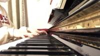 ピアノを弾く際のフォームについてです。 この手の形って正しいですか? いまいち綺麗じゃないと思うのです、、 どうしたら治りますか? あとどうしても、右手の小指と薬指を使わない時、そのふたつの指が丸ま...