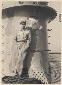 戦時中の潜水艦は直結式(水上ではディーゼル・水中ではモーター)(モーターは発電機に変身する)でしたが、 この直結式の長所を教えてください(写真はイタリアのブロンゾ)。