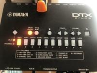 電子ドラムについてです 1番のPOP1という音の設定にしているのですが何故か10番のラテンの音になってしまいます。 何故でしょうか