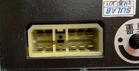 電子機器のコネクタについて。 こちらのコネクタのメスタイプを探していますがなかなか見つかりません。 TE Connectivity社のMULTILOCKシリーズに形は似ていますが、12ピンはあれどこちらの11ピンタイプは見つかりませんでした。  どなたか分かる方はいらっしゃいませんか?