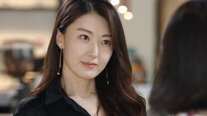 この韓国の女優さんの名前を教えて欲しいです!!