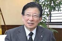 静岡県知事の川勝平太さんは、中央リニア新幹線の静岡県内を通過する部分の着工を認めていませんが、 静岡県内にも中央リニア新幹線の駅を造るとJR側が約束したら、すぐに着工を認めるのでしょうか?