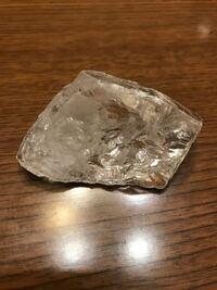 teapackさん占ってください。 この水晶は何かお話していますか?