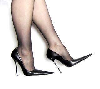 こういう画像のような靴が欲しいんですが、どうすれば見つかりますか? さまざまな方法で検索してるのですが、見つかりません。