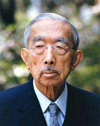 日本社会党と日本共産党は、日本国憲法施行から、短くても昭和時代の終わりまでずっと天皇制廃止を主張していましたが、 天皇制廃止のための憲法改正の具体的な道筋を、どこかで示したことはあったのですか?