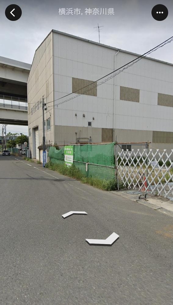 横浜市磯子区の八幡橋付近。16年程前に、この近くに釣りに行った時に この空き地(河野造船所隣)に音楽が流れている飲食店?みたいな 店があったのですが、何かわかる方 回答お願いします。
