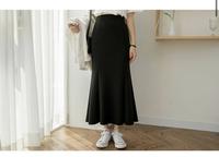 このマーメイドスカートは骨格ストレート無理なのでしょうか? マーメイドスカートはウェーブしか無理でしょうか?