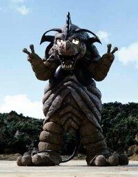 ウルトラ怪獣で質問。  あなたが「可愛いウルトラ怪獣」と言われて、最初に思い浮かぶ怪獣は? 私は「ウルトラマンダイナ」に登場した、バオーンです。  この何ともいえない表情が好きです。