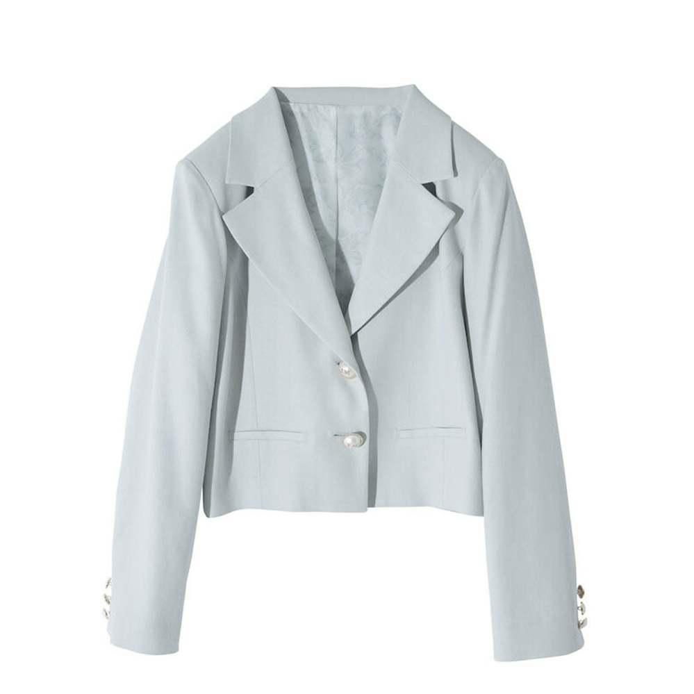 入園式の服装について(画像あり) 来月、幼稚園の入園式があります。 手持ちのジャケットに黒のワンピースを合わせようかと思っているのですが、この画像のようなジャケットで大丈夫でしょうか? 色が、淡...