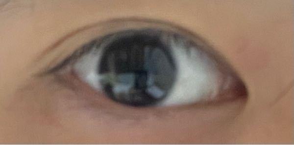 アイプチしてみたのですが、元々の目が小さいので、大きく見えません。 どうしたらいいのでしょうか? 母は目が大きくて、ぱっちり二重なのに自分はこんなんで悲しいです。 アイプチ以外は何もしてない...