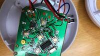 廃棄(ヤマダ電機 ケーズデンキの回収箱に入れる)するためにリチウムイオン電池を取り外したいのですが、はんだごてで外すのは危険ですか? 危険であればどのように取り外せば良いのでしょうか?
