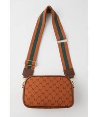 moussyのこのバッグはもう公式からは買えませんか?メルカリとかで買うしかないですか?偽物とかあったら怖いですけど、、