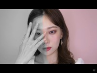 この方誰ですか??韓国のメイク系YouTuberの方だと思うんですけど、誰だか忘れちゃいました!この写真だけ残ってました。 確か、目が2倍!輪郭半分!みたいに書いてあった気がします。 写真検索しても全く出てこなくて、、
