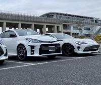 GRヤリス、トヨタ86(もしくはスバルBRZ)双方ともに乗った経験がある方に質問です!  今度、車の買い替えを検討しております。 4駆orFR、ホットハッチorクーペなど違いはありますが、トヨタの現行購入可能なスポーツタイプとしては価格帯(ヤリスRZと86最上位ですが)も似ており、カー専門誌の評価の高い車です。実際私もどちらも試乗して良い車だなぁと感じています。  サーキットに頻繁に...