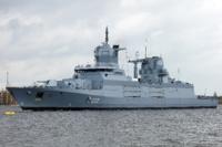 外国の海軍って何で駆逐艦じゃなくてフリゲート艦ばっかり作るんですか?今は定義が無いから呼び方はその海軍の自由ですけど、昔は駆逐艦を保有してたのに、あえて艦種をフリゲートと読んでる理由は有るんですか...