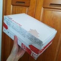 『レターパックプラスの発送について』 箱型にして近所の郵便局に持って行ったところ、「この状態で折り目がついてると加工に当たるから発送出来ない」と言われました。  検索で箱型にする方法を見て、利用しよう...