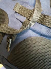 ミズノのバッグのプラスチック部分が壊れてしまいました。紐のプラスチック部です。これって部品で買えるのでしょうか?