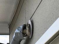 エアコンのダクト穴ですが、 中古の戸建てを購入したら  こんな感じになってました。  雨は入るでしょうか?