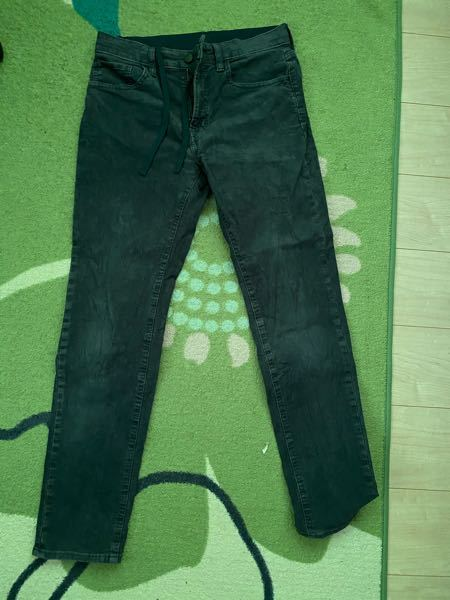 これはなんという種類のズボンですか?