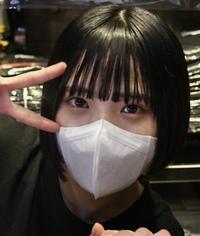 このアユニ・Dが使っているマスクと全く同じものが欲しいのですが、どこのマスクか分かりませんか?(拾い画すみません)