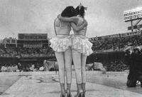 ピンクレディがもしも紅白を辞退していなかったら、どうなっていましたか? ガラガラの後楽園球場が悲しい。