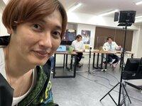 芸能人のおはなし。純烈の後上翔太さん(写真)はかわいいですか?教えてください。お願いします。