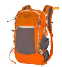 アタックザックを通常の日帰りハイキング用で使うのはおかしいですか? 日帰り、暖かい時期なので荷物は軽量です。 ちなみにこのミステリーランチ イン&アウト19が欲しくて悩んでいます。 詳しい方教えてください♪