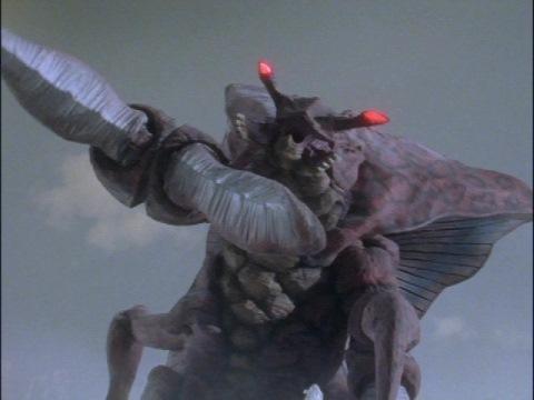 『ウルトラマンダイナ』の第26話「移動要塞浮上せず!(後編)」と『ポケットモンスター サン&ムーン』の第137話「無敗の帝王グズマ! 」、甲殻類をモチーフにした強敵の打倒を描く回の中でどっちがオススメでしょうか。 アスカ・シン(ウルトラマンダイナ)とサトシ、どっちのマイペースな主人公がオススメでしょうか。