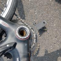 ロードバイクで折れてしまいどうすればいいか どなたか教えて下さい