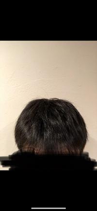 この髪はどうしたらツヤサラマッシュになりますか? フィーノも使ってますしヘアオイルも色々試したのですがどうやってもなりたいようになれませんどうしたらいいでしょうか お風呂上がりなどはヘアオイルをつけて髪を乾かしても髪をかきあげるとへんな形になってもどらなくなってしまいます。