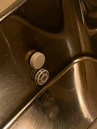 風呂釜の掃除をジャバなどでしたいんですけど、この風呂は一つ穴ですか?ふたつ穴ですか?