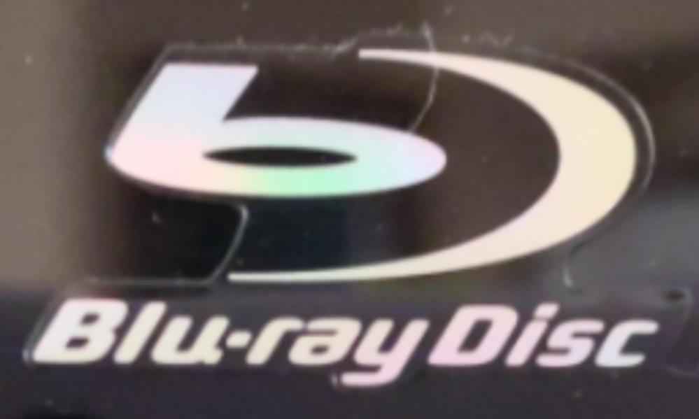 家のテレビがBluRayに対応してるのかが分かりません…(´;ω;`) 下の画像は家のテレビの右上に記載されてました。これはBluRayに対応してるのですか…?
