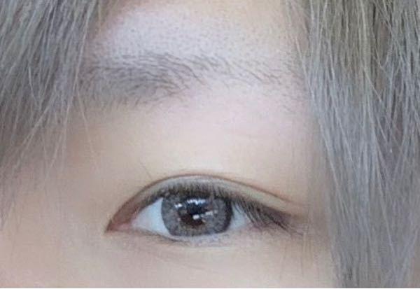 カラコン(カラーコンタクト)についてです つける人の瞳によっても色味変わってしまいますが この種類わかる方いませんか?