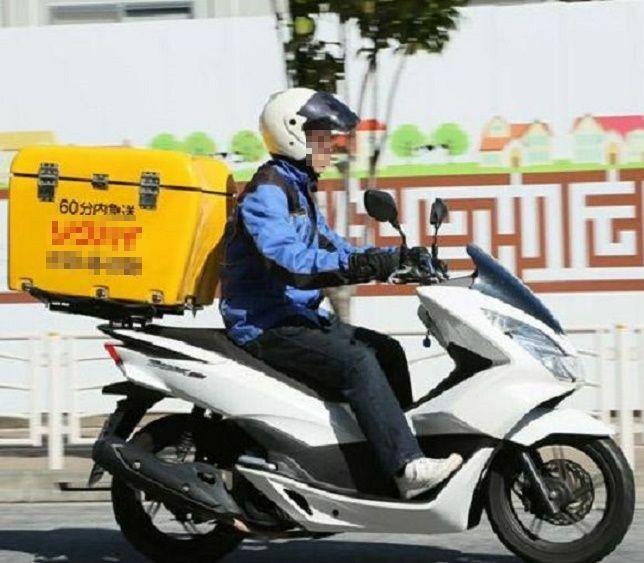 法人のバイク便会社のオートバイには前後、ドライブレコーダーが装着されているのでしょうか。 ・ ここでお伺いをしているのは、あくまでも法人のバイク便会社所有のオートバイの前後にドライブレコーダーが装着されているかということです。 ・ いかがでしょうか。