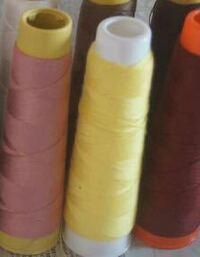 家庭用ミシンの糸を 業務用の長い糸は 使えませんか? 使えるとしたらどうやって使うのですか?