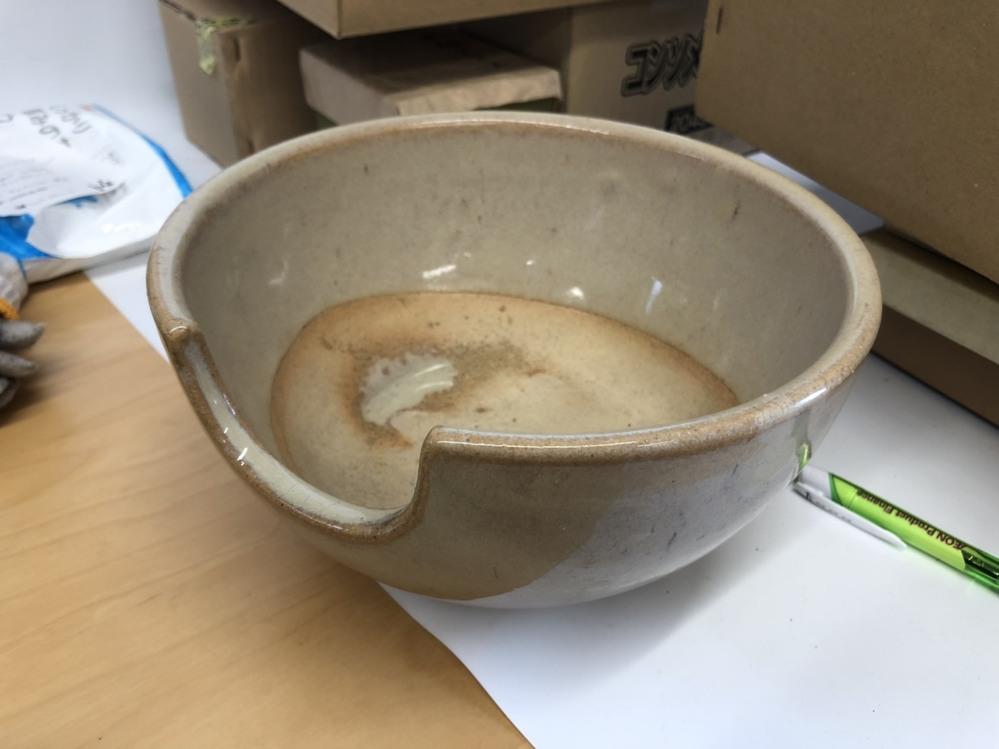 茶道具屋さんの遺品なのですが 何に使う物で商品名などお判りになる方はいらっしゃいますでしょうか? ご教授頂けると幸いです。