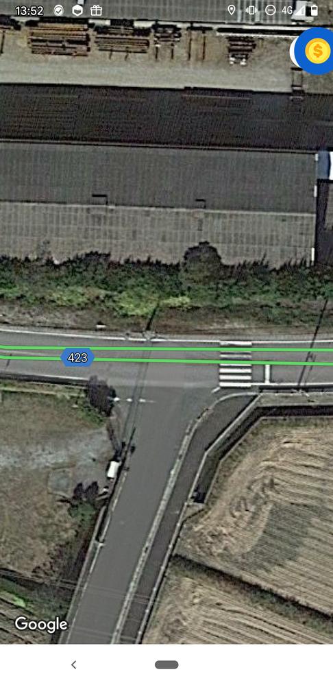 T字路交差点 左からの車がありましたが距離があった為右折しました。右折してすぐに横断歩道があり学生がいた為停止しました。 停止後に後ろから追突されました。 この場合、私に過失はあるのでしょうか?
