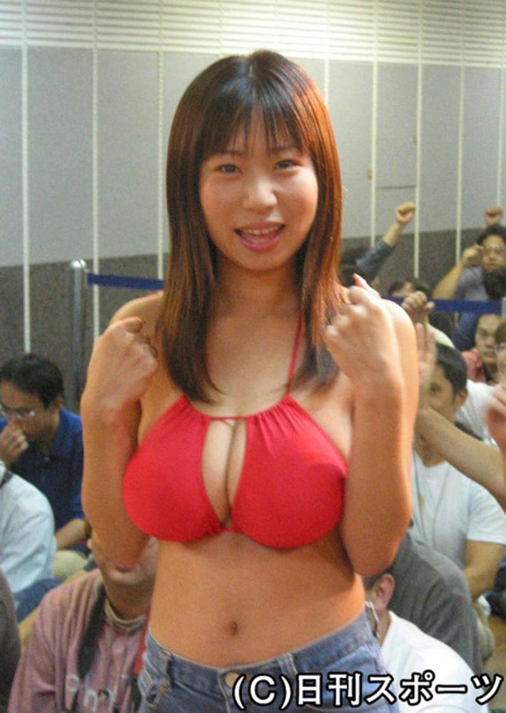 夏目理緒さんの胸は、当時のグラビアで一番の大きさでしたか?