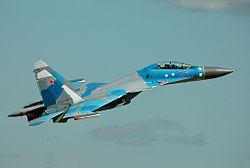 なぜロシアは中国にSu-27 Su-30MKKを輸出したのですか? コピーされるとはおもってなかったのでしょうか? Su-30MKKは、F-35と互角でしょうか?