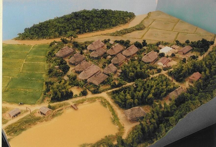 昔仕事で作ったベトナム集落1/150模型です。一言どうぞ。