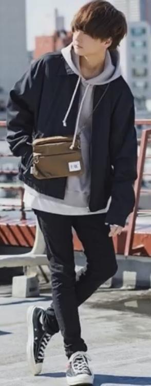 この服装のパーカー:ブルゾン・スキニーについて詳細がわかる方いたら教えていただきたいです。