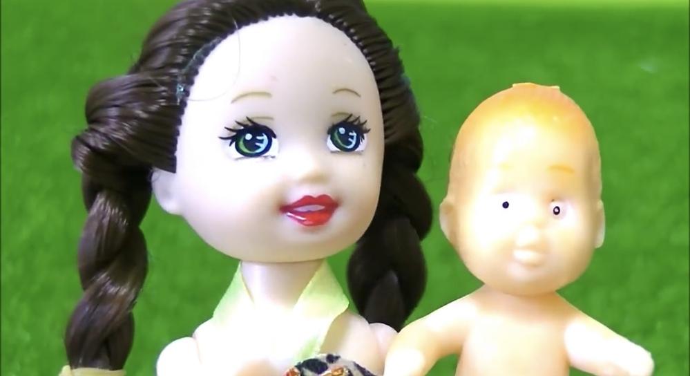 ここなっちゃんというユーチューバの人形劇に出てくるマヤちゃんという赤ちゃんがどこに売っているのかご存知の方教えて下さい。 ※どこに売っているのか分かる人だけが回答して下さい。乱暴でバカにした回答...
