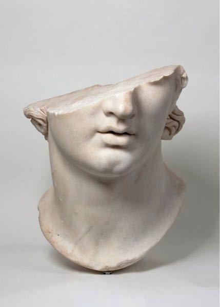 この像の名前を教えてください